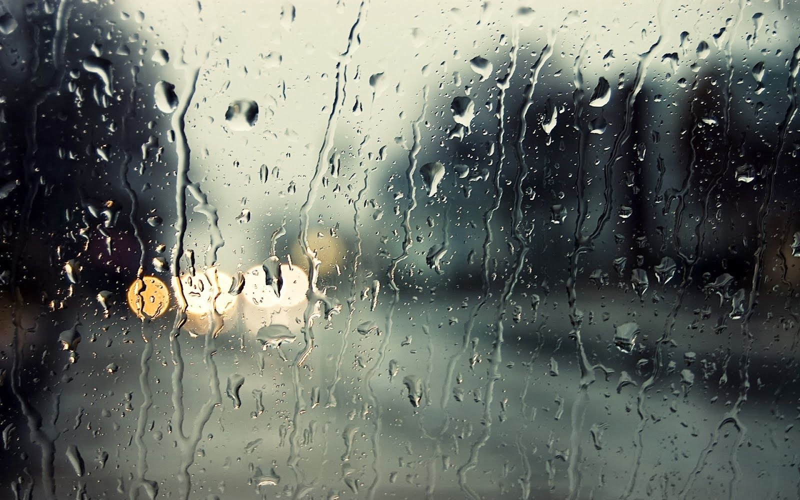 Hujan Gradasi Dengan Gambar