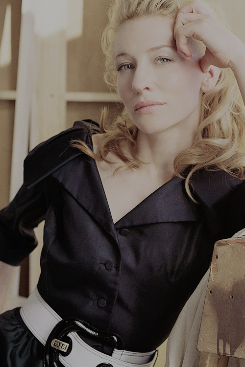 Flung out of space — nikita-rps:   Cate Blanchett (2006)