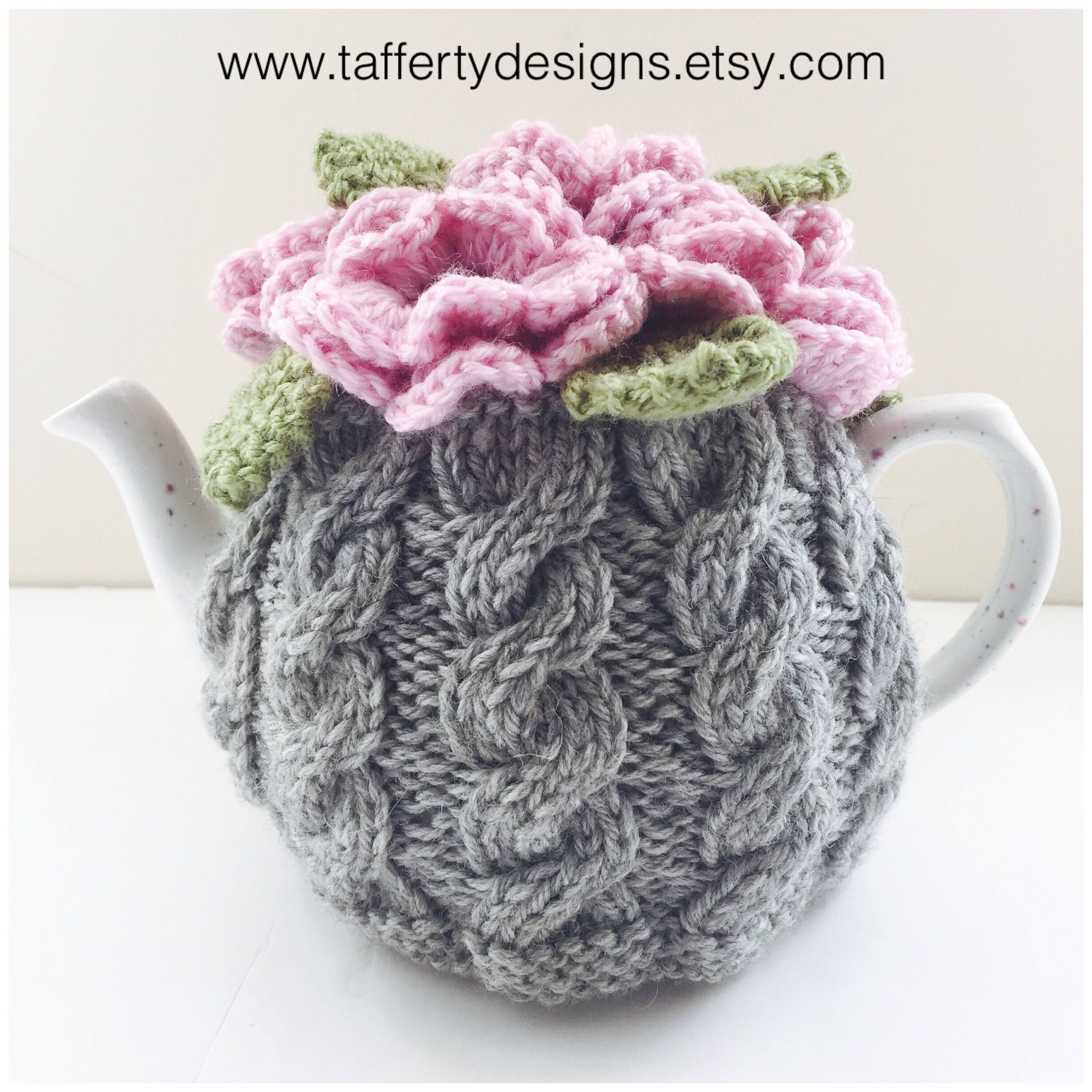 Hand-knitted floral cabled tea cosy in pure wool - Size ...