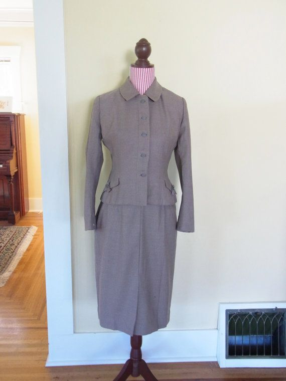 vintage womens suit / 1940s womans suit 1950 by thespectaclednewt, $60.00