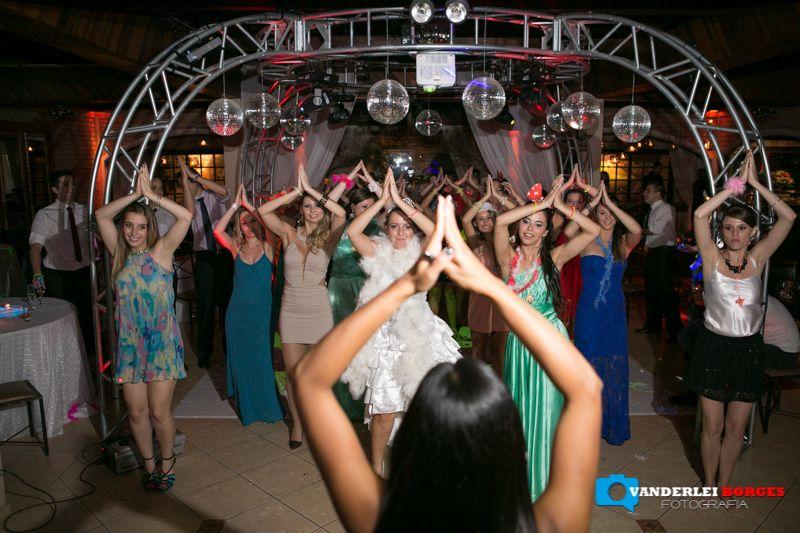 casamento festa - dança dirigida por professora