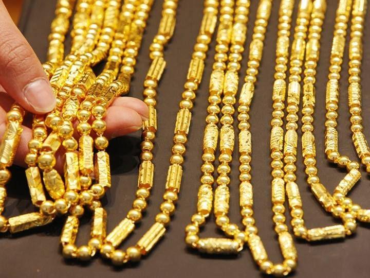 ارتفاع أسعار الذهب اليوم السبت بمعدل 8 جنيهات ذهب ارتفعت أسعار الذهب بالسوق المحلية في بداية تعاملات اليوم السبت24 ديس Jewels Gold Price Black Beaded Jewelry