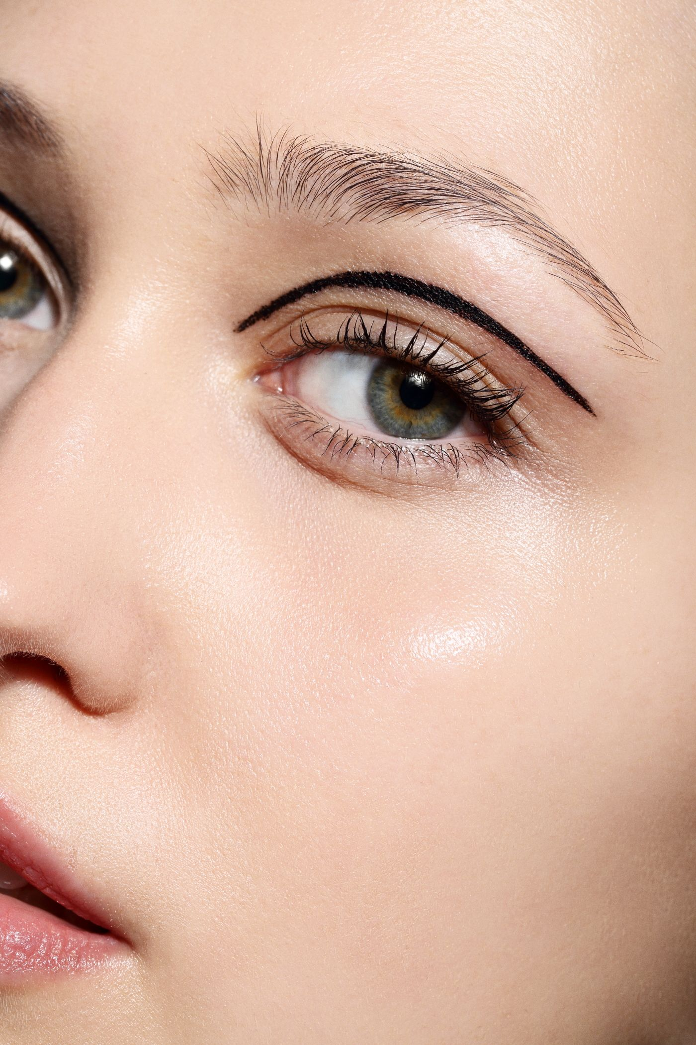 Our 12 week long Ultimate Pro Makeup Course at the Cassie