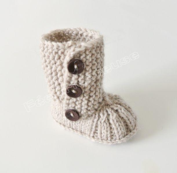 Chaussons bébé, Bottes de bébé tricotés à la main est une création ...
