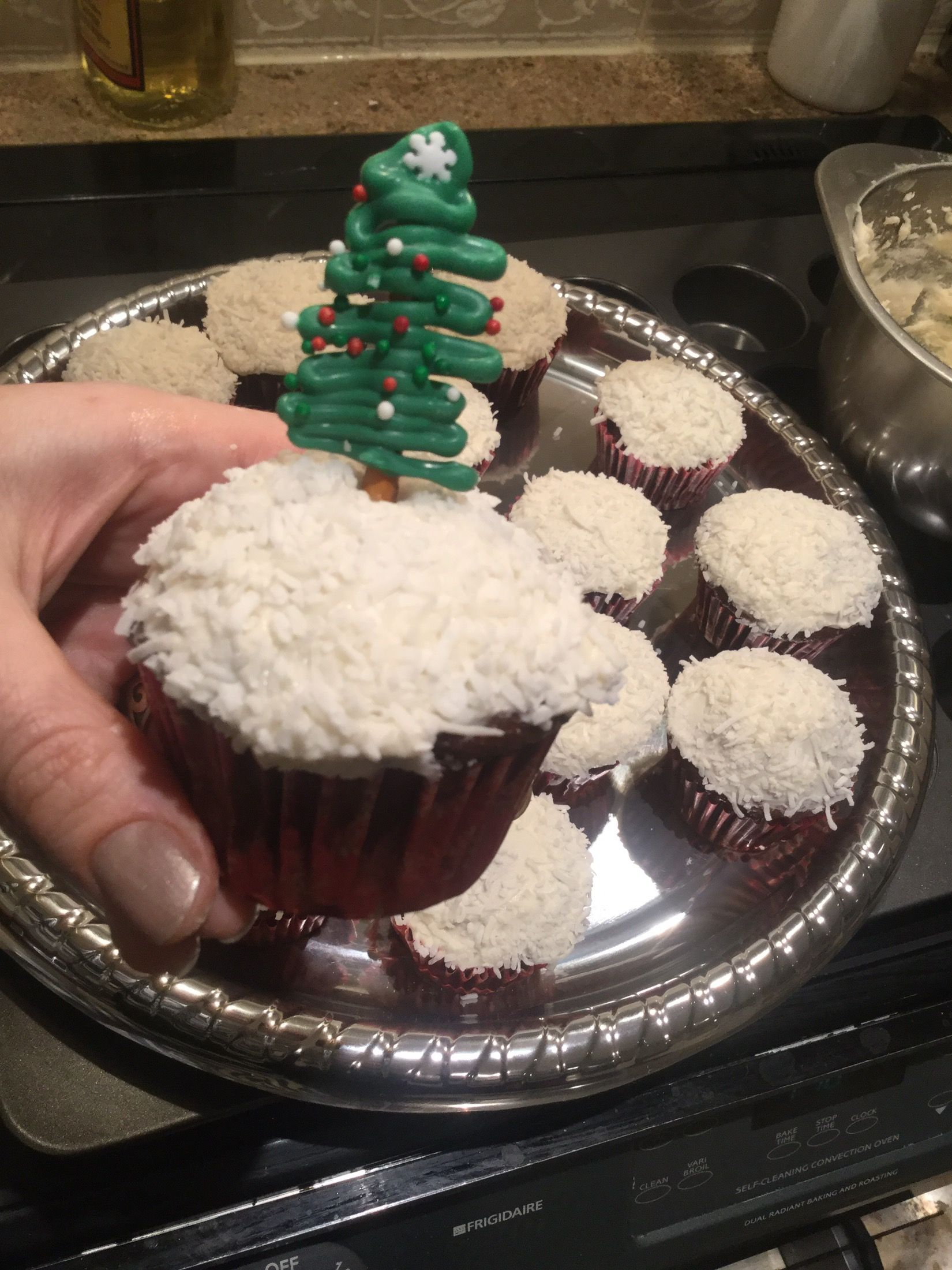 Pin By K Wrens On Cakes Cupcakes Muffins Xmas Food Cupcakes
