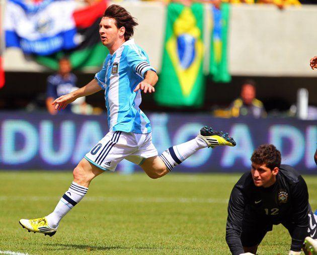 Lionel Messi: 26 años, 26 momentos | Los tres goles a Brasil en un solo partido. (junio 2012)