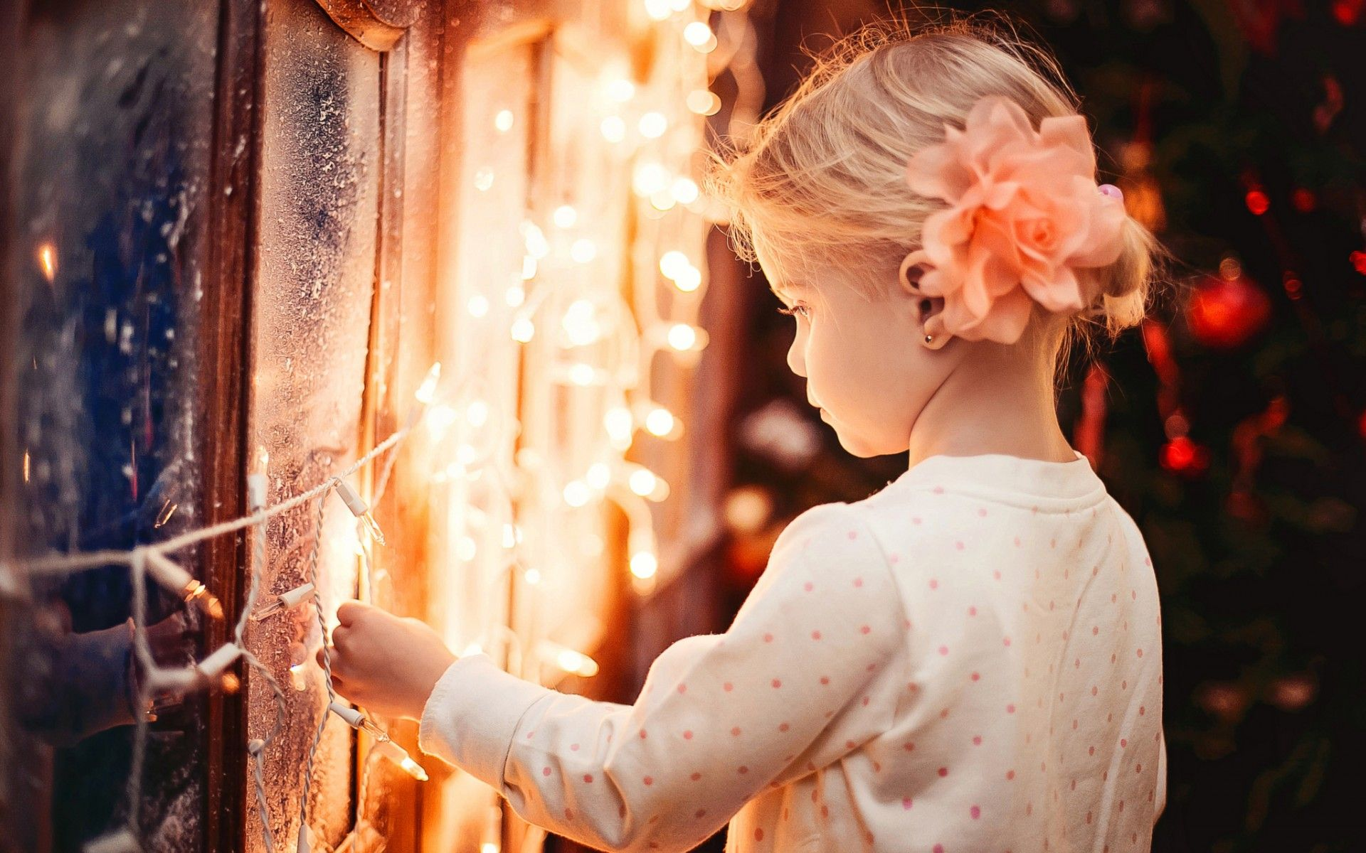 merry xmas a little girl standing beside garland lights, winter window beautiful wallpaper computer desktop, happy new year 2016 hd widescreen high quality