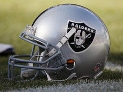 This Oakland And Losangeles Raiders Helmet Is Possibly My Favorite Football Helmet Of All Time Nfl Raiders Helmet Football Helmets Oakland Raiders