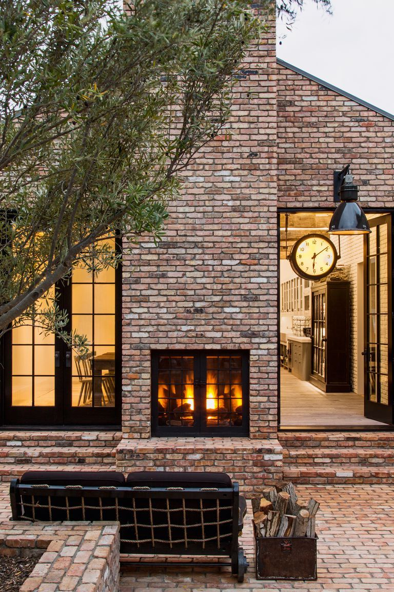 1512061354 Housethatpinterestbuilt P247 Casas De Celebridades Casas De Ladrillo Casa Ladrillo Visto