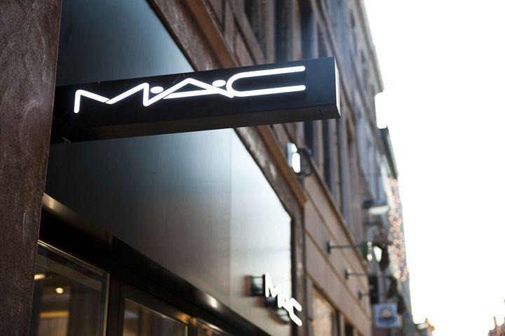 MAC Cosmetics store by Pinkeye Liege 06