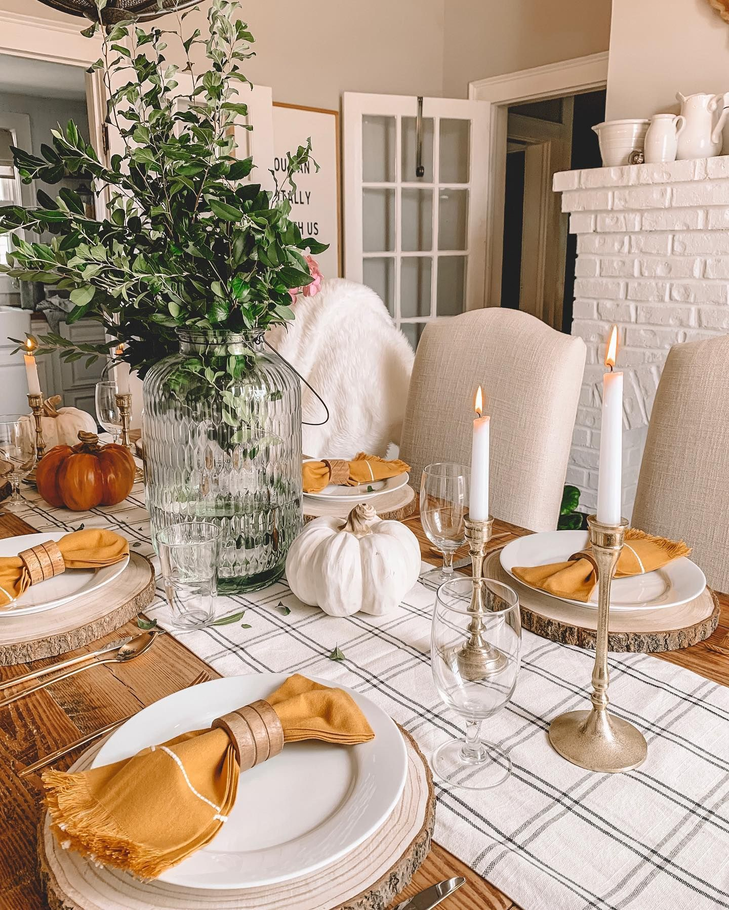 Fall is one of my favorite seasons to decorate for