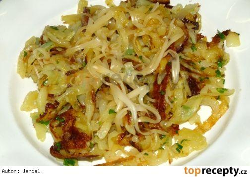 Pečené strouhané brambory se sýrovou čepicí