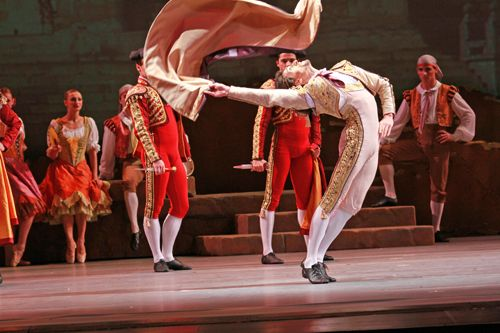 Joffrey Ballet Chicago S Don Quixote Review Remake Of A Traditional Ballet Splash Magazines Los Angeles Ballet Chicago Joffrey Ballet Don Quixote