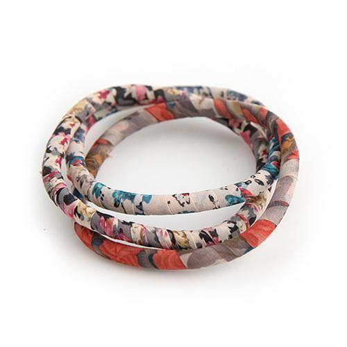 SET 3 BANGLES EILEEN  -  Set di 3 graziosi bangles uniti fra loro e rivestiti da tessuto floreale.