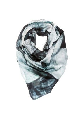 Tredi FLower neck scarf