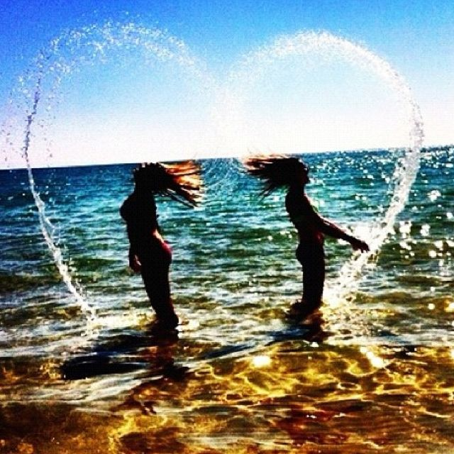 20 Artsy Best Friend Pictures Have Some Fun With Your Friends At The Beach By Trying Out Of These