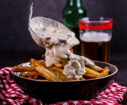 French+fries+with+creamy+mushroom+sauce