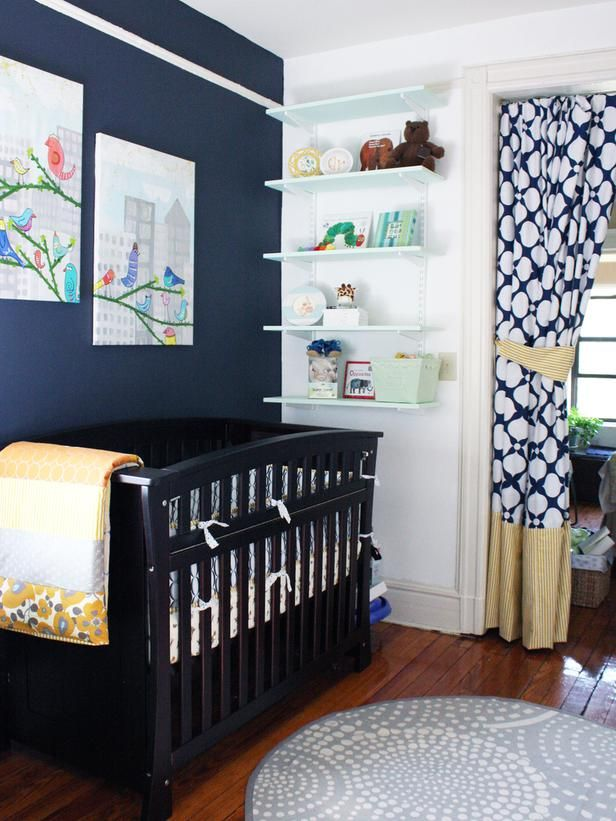 Dark Blue Wall In Baby Nursery. Un Poil Trop Sombre.