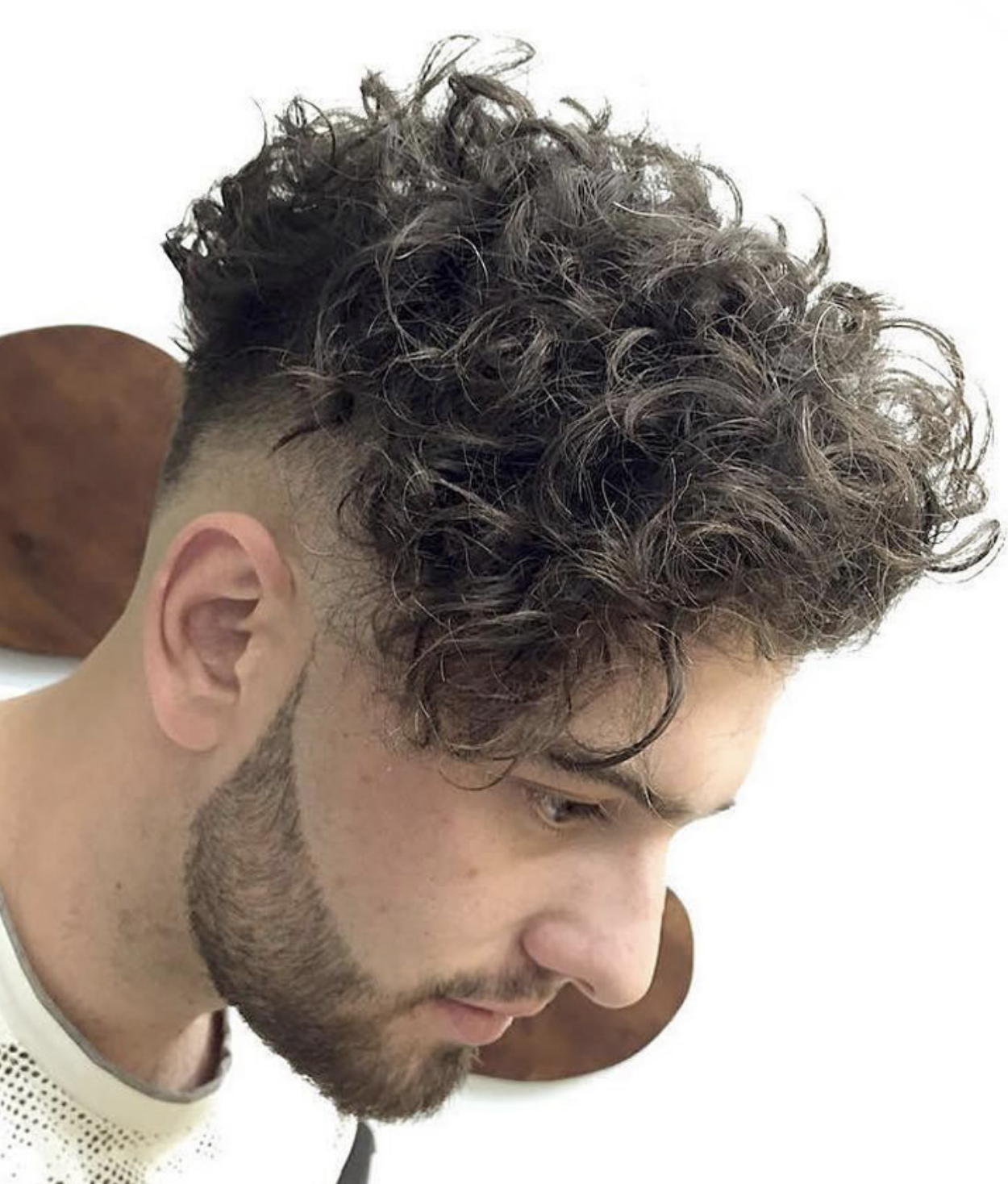 Modern Curly Hairstyle And Haircuts For Men That Will Trend In 2019 Keywords 2019 Curly Hair Undercut Curly Hair Long Hair Styles Men Short Hair With Bangs