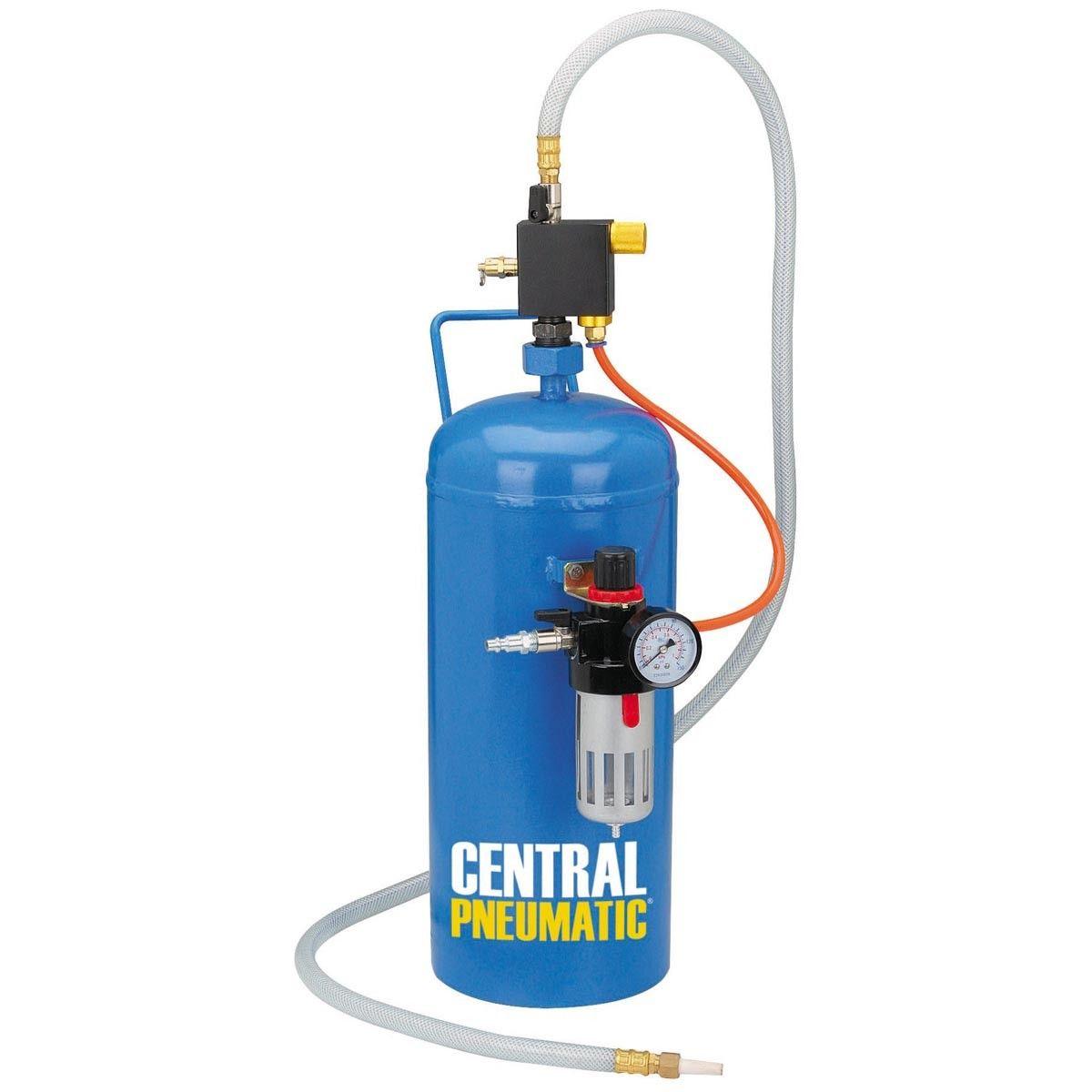 15 lbs  Portable Soda Blaster | In the Garage | Soda