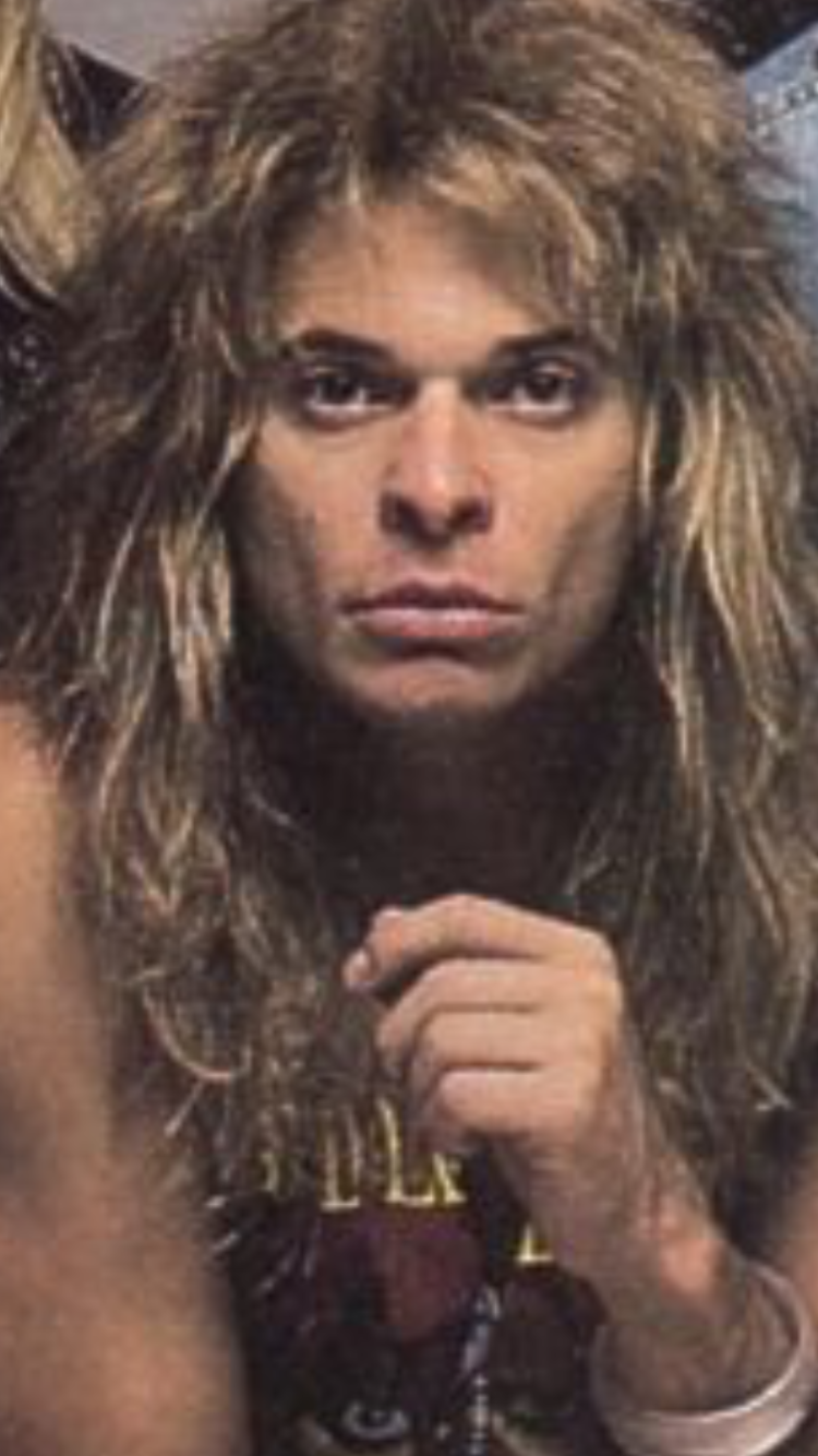 Solo Diamond I Wanted To Post This Pic Which I Expanded From Another Pic He S So Awesome Rf Diamondsguitarchords Van Halen David Lee Roth Glam Metal