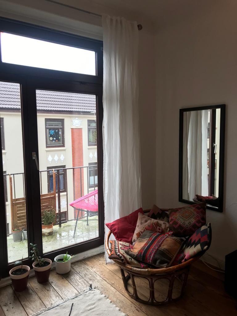 Chilliges Wg Zimmer Mit Balkon In 2020 Wg Zimmer Zimmer Haus Deko