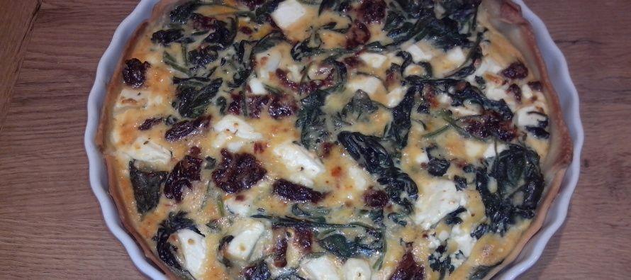 Hartige taart met verse spinazie, zongedroogde tomaat en feta   Lekker Tafelen