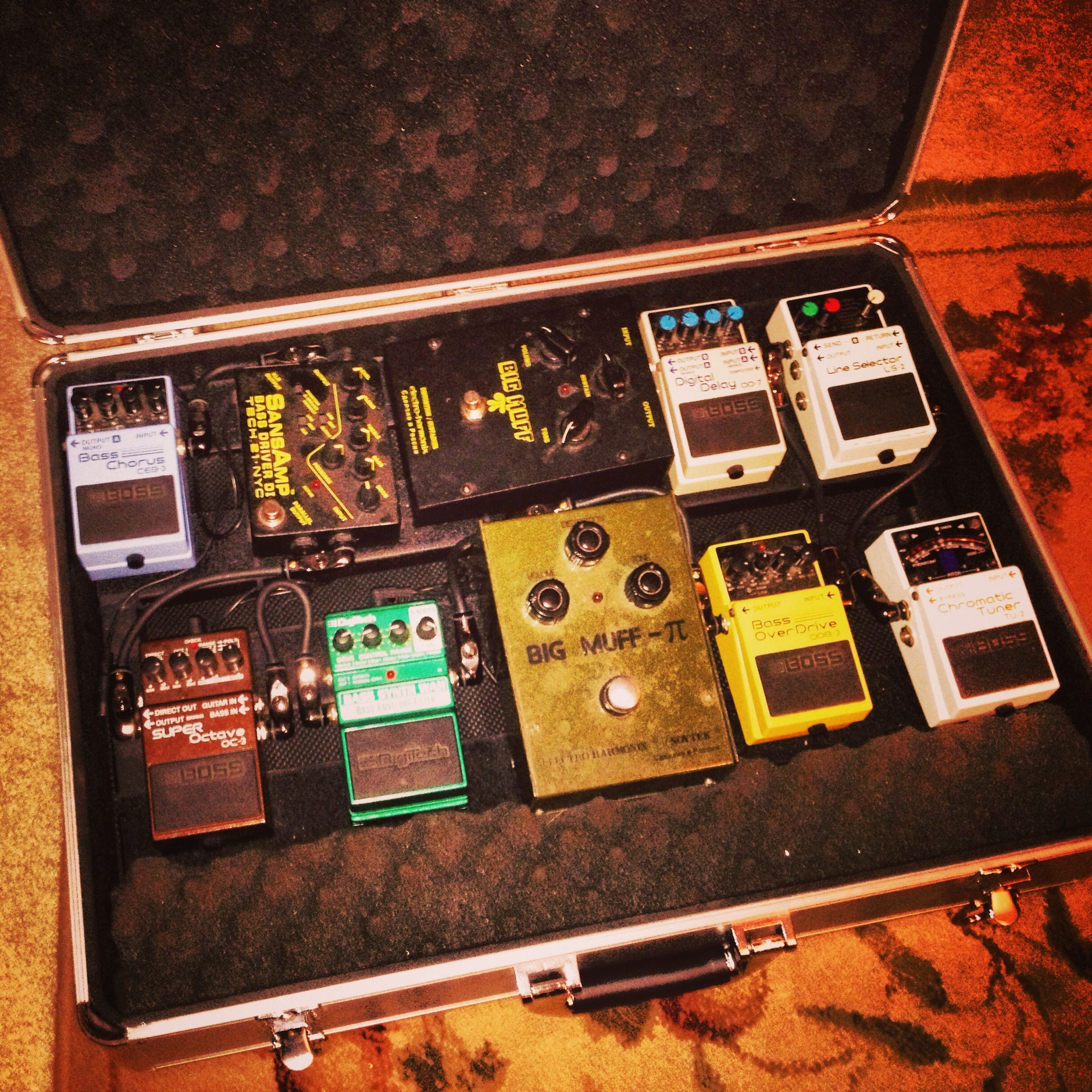 ultimate bass pedal board gear pinterest bass. Black Bedroom Furniture Sets. Home Design Ideas