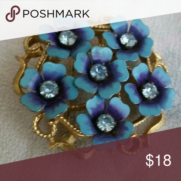 Vintage Avon Brooch/ Pendant ,  Blue Flowers Gold tone fillegree, adorned with blue flowers. Avon  Jewelry Brooches