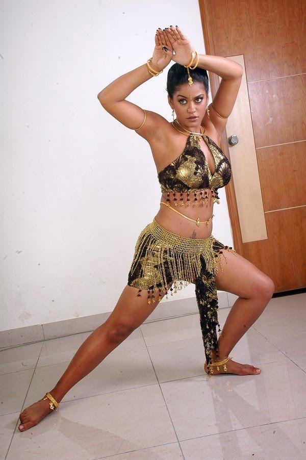 Hot Unseen Photos Of Item Girl Mumaith Khan Mumaith Khan South