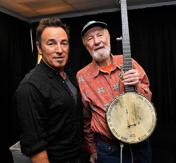 Pete Seeger, dead at 94....Pete Seeger's 90th Birthday Celebration from Madison Square Garden: Image Gallery of the Concert   Great Performances   PBS
