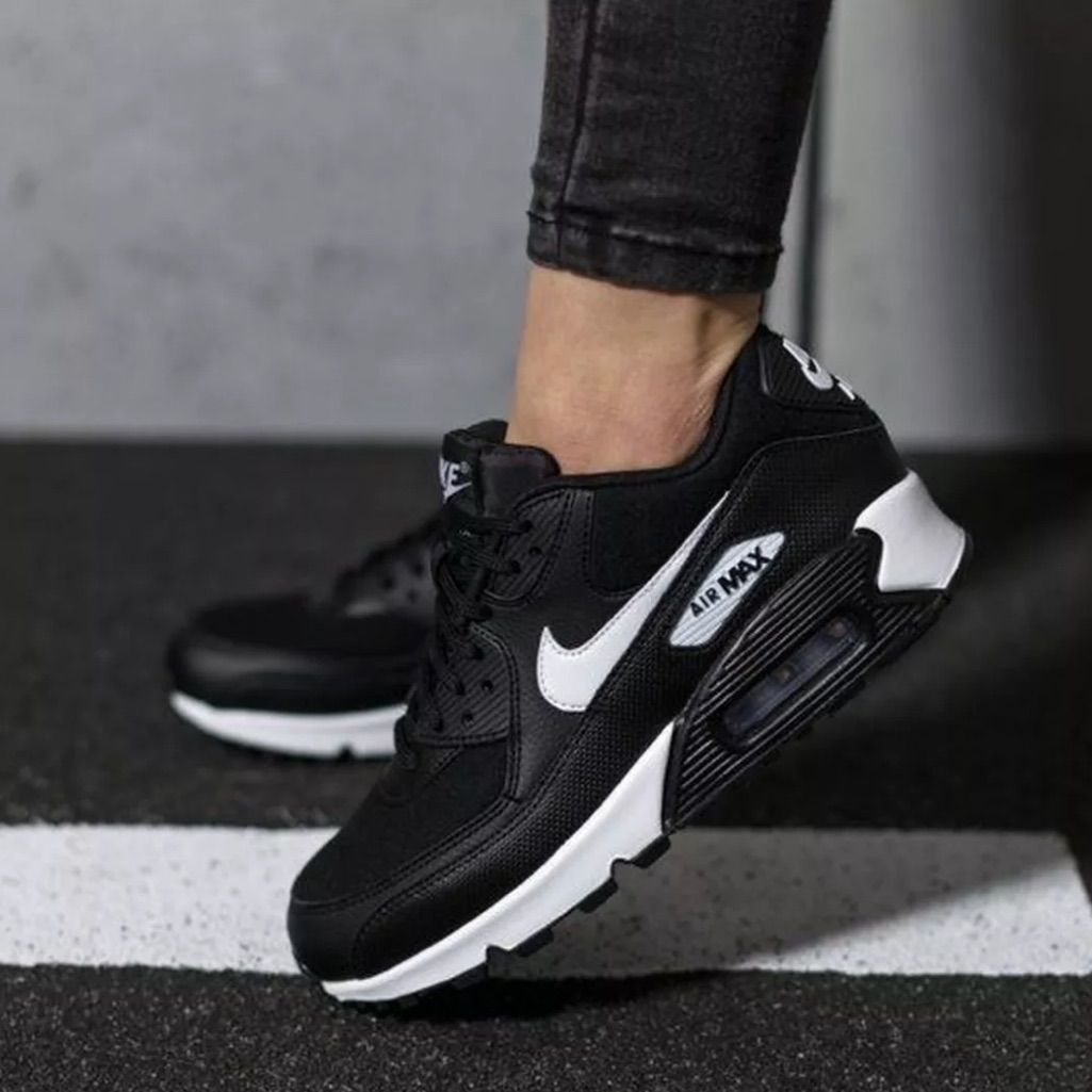 Nwt Nike Air Max 90 Black Nwt Nike Air Max 90 Black Nike Air Max Black