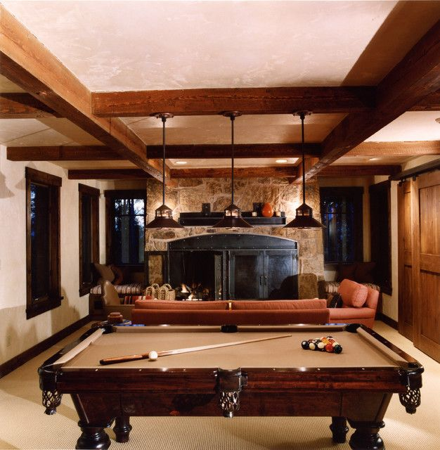 Comment Décorer Sa Salle De Billard? | Traditional Family Rooms