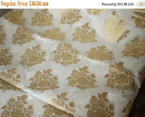 Great Cream and Gold Floral Pattern Weaving Brocade Fabric Indian Silk Wedding Dress Fabric Pure Banarasi Silk Fabric by Yard