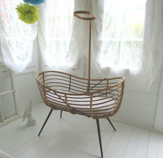 ~○♡○~  Altes Baby-Bett, Rattan, Midcentury  ~○♡○~ von Weidenröschen auf DaWanda.com