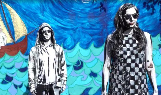 Una  pintura viviente  de la artista Alexa Meade que acaba en petición de mano permite observar el llamativo efecto.