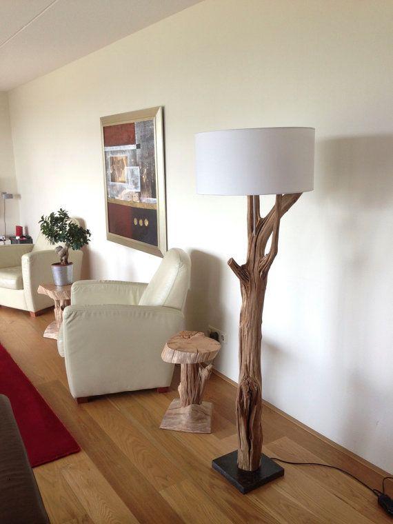 Floor lamp manufacturing of weathered oak and wood veneer - Lamparas de pie rusticas de madera ...