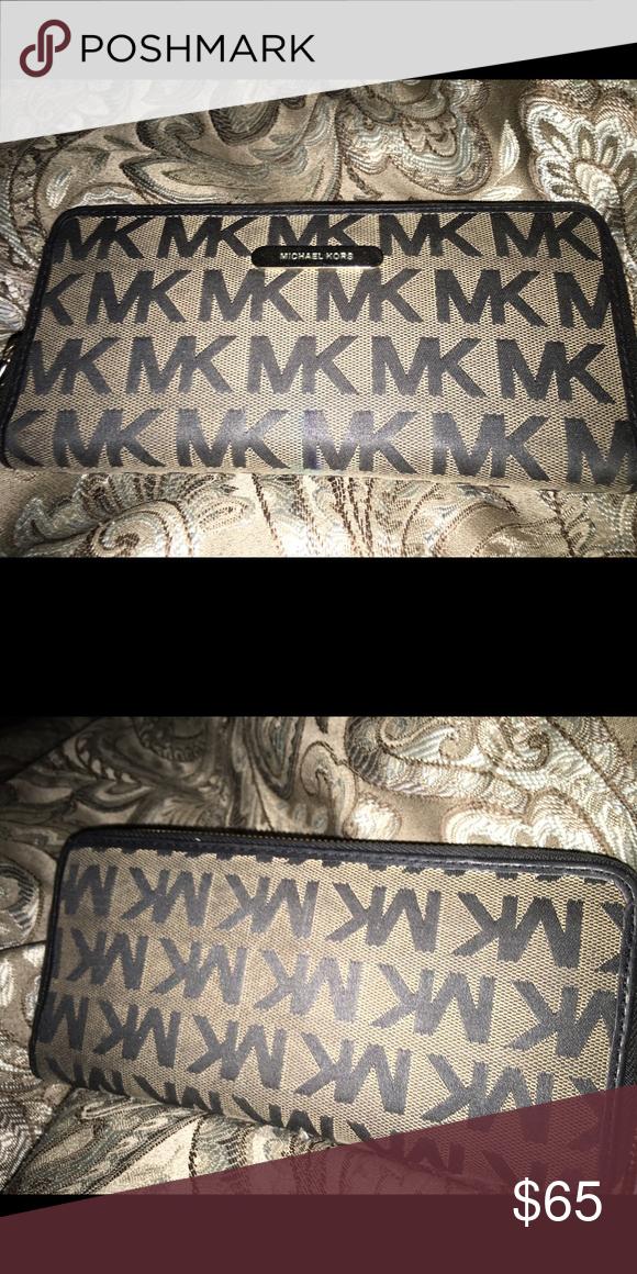 Michael Kors wallet Michael Kors wallet. Good condition. Michael Kors Bags Wallets