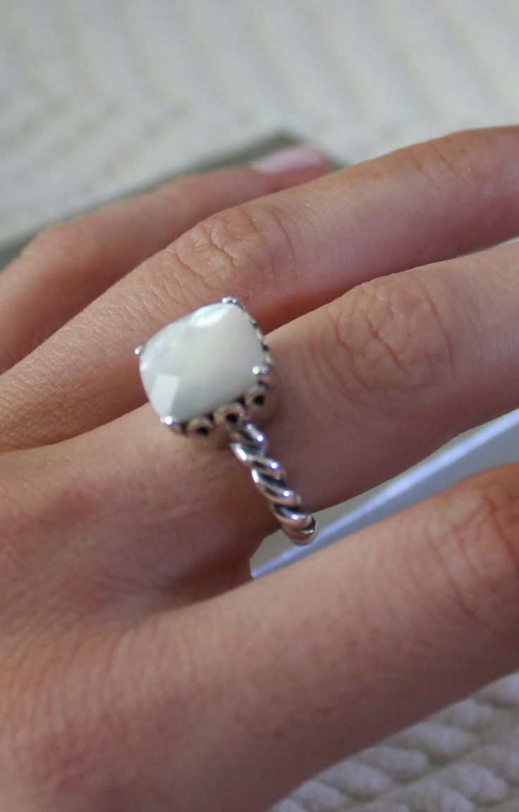Pandora Ring that Id looove for my birthday!! Need to find the style number!