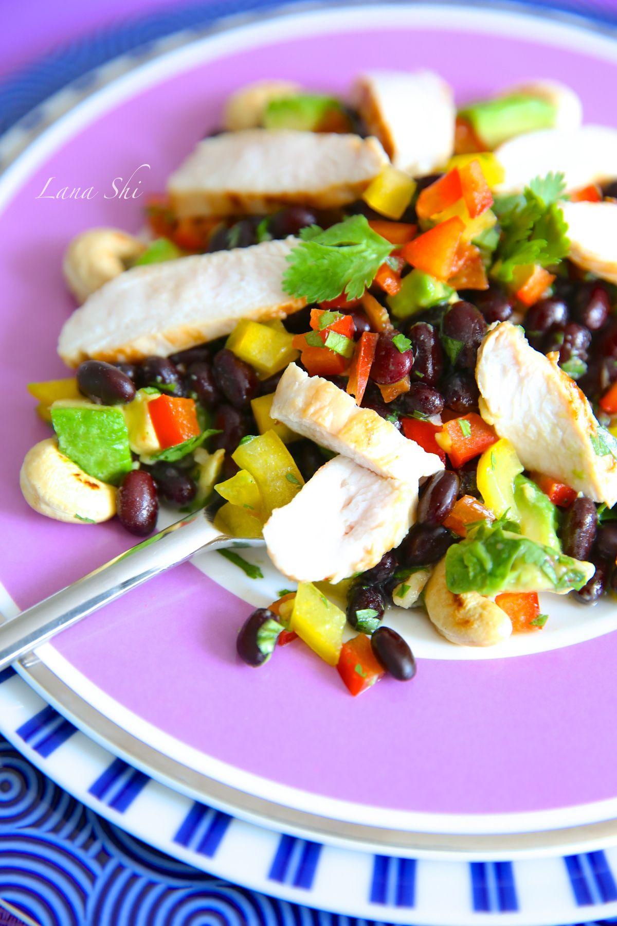Wiki Fit | Пикантная чёрная фасоль с авокадо и куриным филе! И 460 ккал. в одной порции!