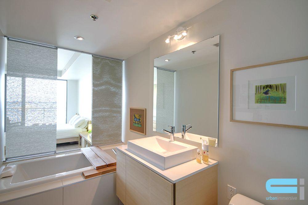 La salle de bain ouverte sur la chambre; une intégration parfaite