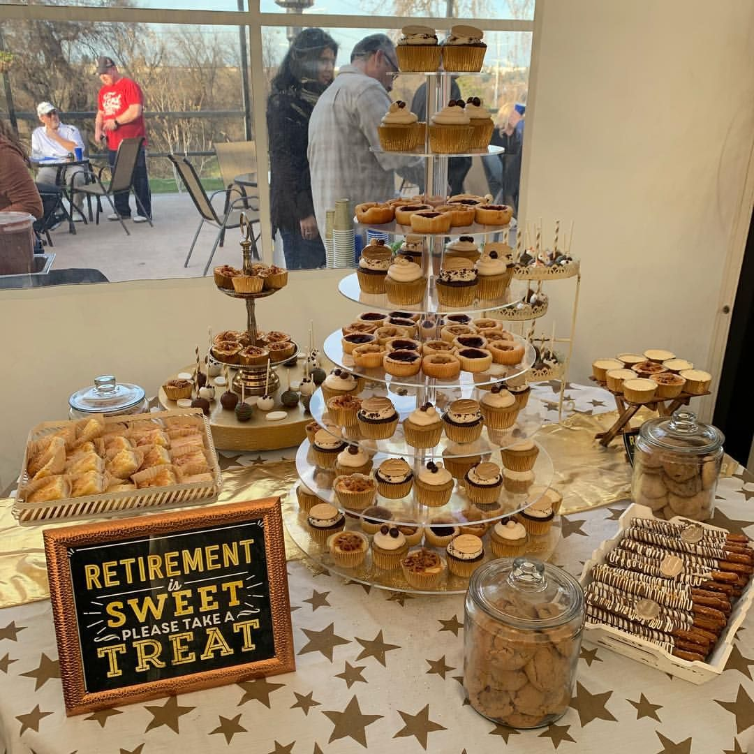 Cutie Pies 在 Instagram 上发布 Dessert Table For A Happy Retirement Party Congratulat Retirement Party Cakes Retirement Party Decorations Retirement Party Gifts