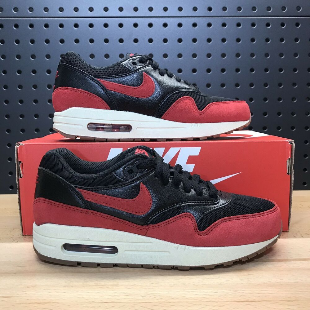 599820 Air Essential 018 Womens 1 Black Nike Max Bred Red Gym Size N80mwOvn