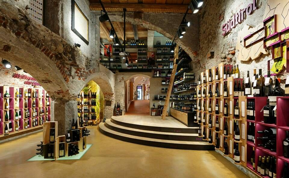 Alcohol Store In Italy Architecture Design Architecture Retail Design
