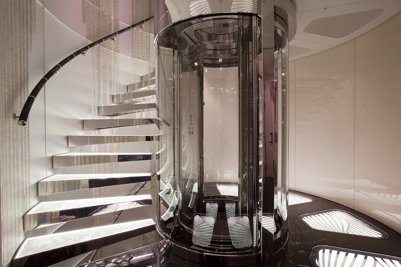 Best Circular Glass Elevator And Winding Staircase Glass 640 x 480