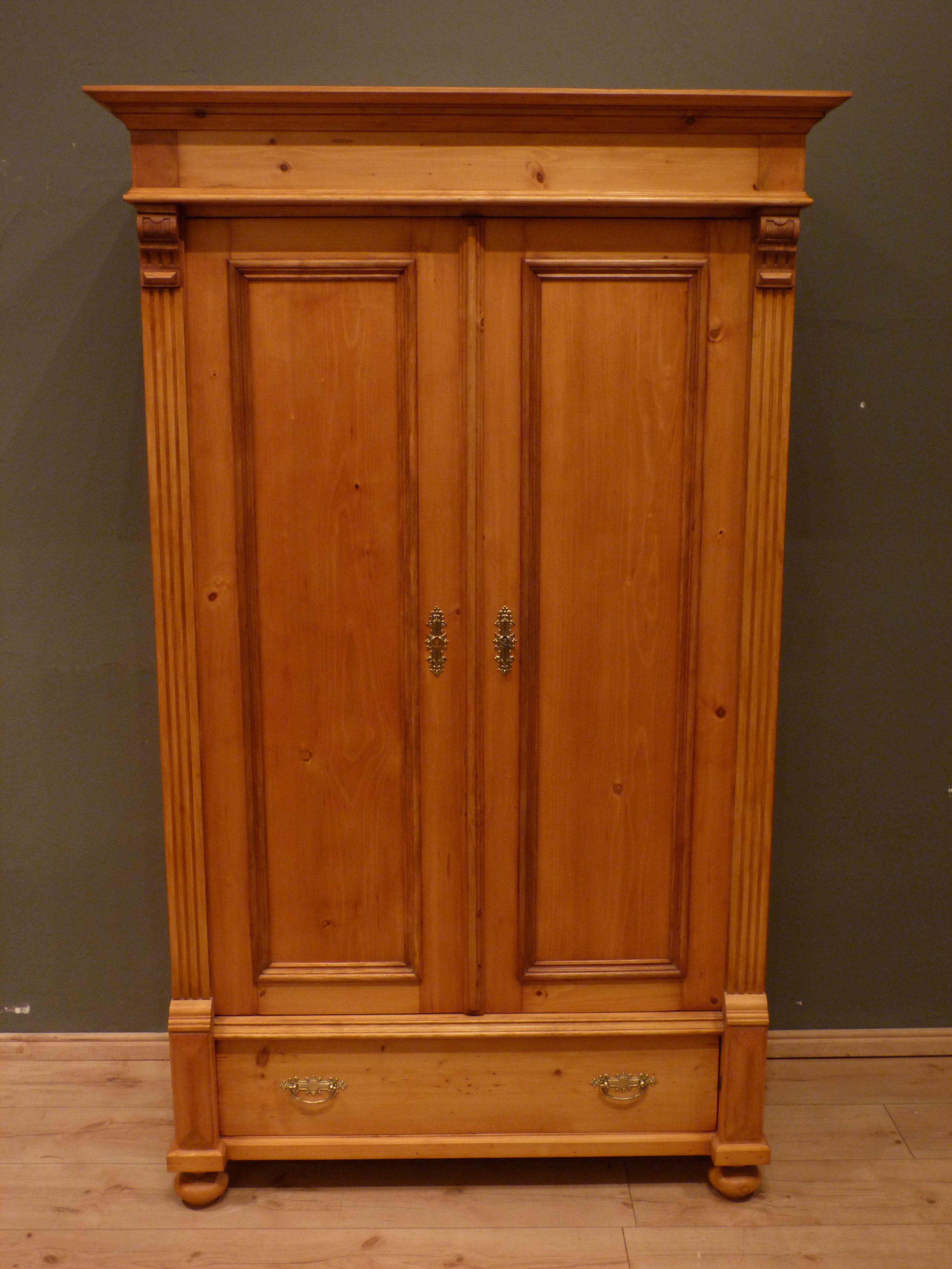 Formschoner Grunderzeit Schrank Fichte Um 1880 Antike Mobel