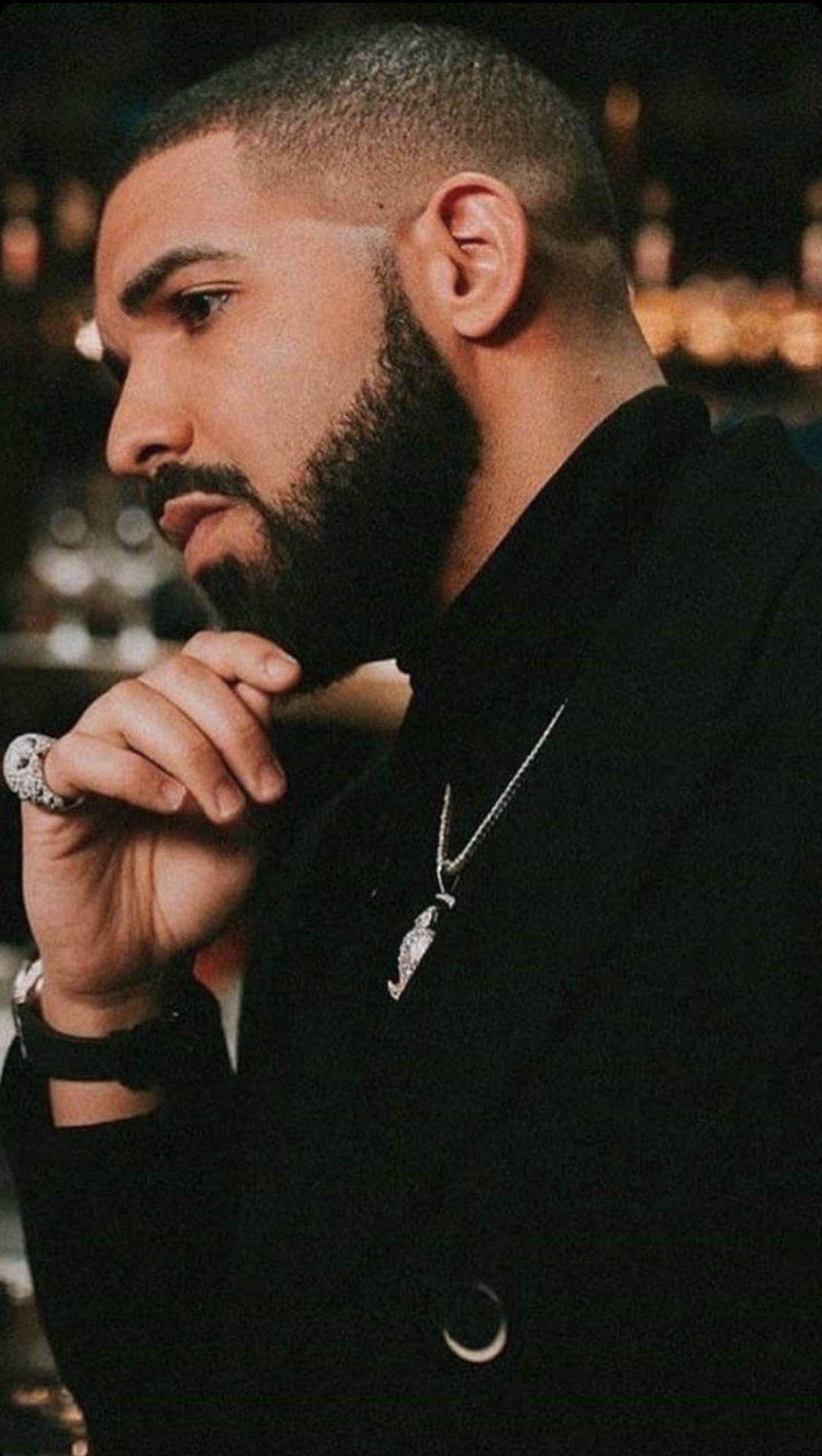 Pin By Nancy Valdez On Drake Drake Photos Drake Rapper Drake Wallpapers
