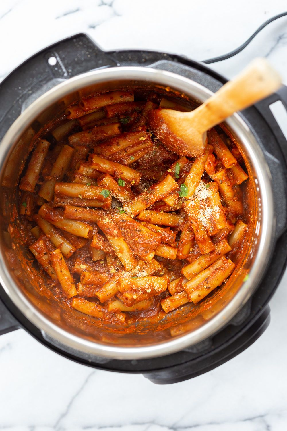 Instant Pot Ziti With Tomato Sauce Date Night Quick Pasta With Ziti Sprinkled With Vegan Parm Vegan Instant Pot Recipes Quick Pasta Recipes How To Cook Pasta