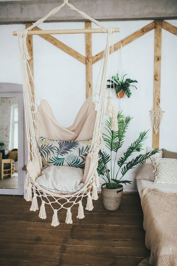 A House That Has A Hammock In Every Room Is A House We Want To Live In This Indoor Hanging Hammock Creates A Cozy Inv In 2020 Bedroom Design Boho Chair
