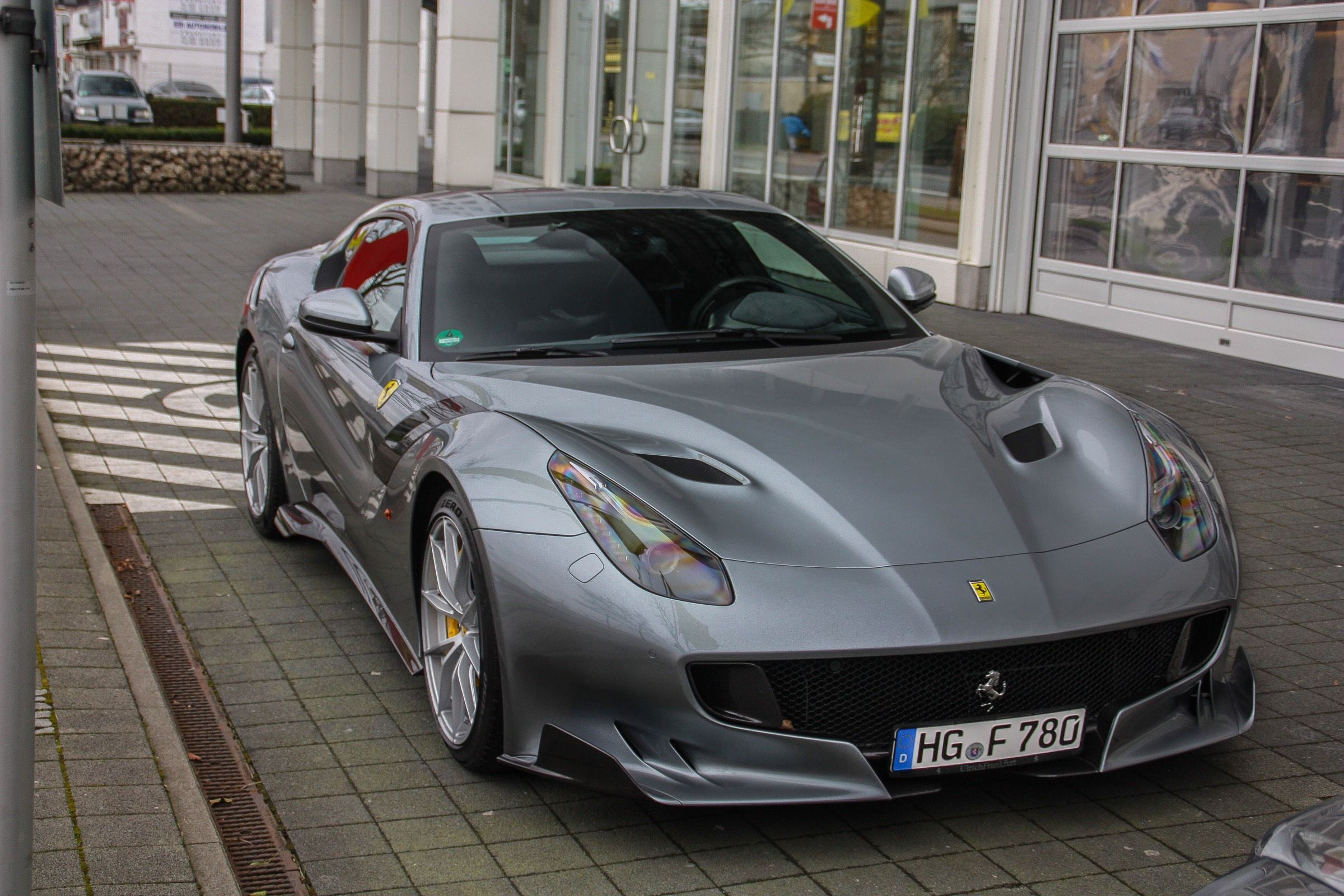 photo_9415_ferrari_f12tdf_780hp_227524_original.jpg (2400×1600)